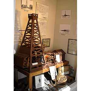 Oil-Well-Exhibit_w